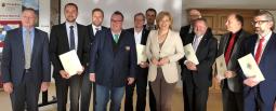 Resilienz in der Landwirtschaft – Bundesministerin Julia Klöckner übergibt GeoBox-Förderbescheid